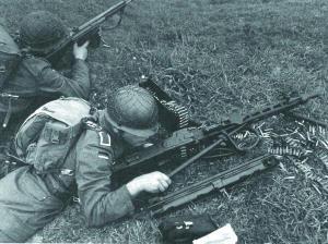 Пулеметный расчет с единым пулеметом MG.3