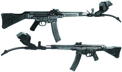 7,92-мм автомат (штурмовая винтовка) МР.44 со стволом-насадкой Vorsatz J (пехотный вариант) с искривлением 30 градусов с прицельным приспособлением конструкции фирмы Zeiss