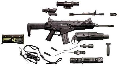 В каталоге Beretta перечисляются поколения штурмовых винтовок, сменившиеся со Второй мировой: первое было представлено АК-47, M14, FAL; второе – АК-74, M16, FNC, AUG; третье – М4, FN SCAR. По скромному мнению компании, оружейная система Beretta ARX/GLX 160 – представитель четвертого поколения. Набор действительно впечатляет – от новейших электронно-оптических прицелов и баллистического компьютера для подствольного гранатомета до старого доброго штыка…
