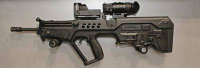 Разработанная в Израиле «с нуля» штурмовая винтовка Tavor (TAR-21), несмотря на свою футуристическую внешность, не пользуется особой популярностью даже у себя на родине (в основном из-за высокой стоимости). Впрочем, ее производитель Israel Weapon Industries (бывшее подразделение Israel Military Industries) заключил с Индией контракт на поставку нескольких тысяч винтовок и боеприпасов к ним.
