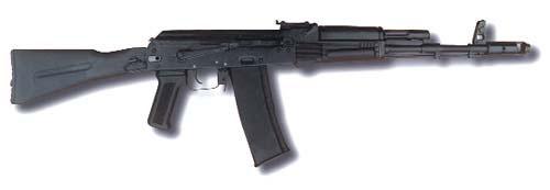 АК101. Автомат разработан под патрон 5,56х45 NATO. Так же как и у АК74М приклад, магазин, пистолетная рукоятка и ствольная накладка выполнены из стеклонаполненного полиамида По данным редакции журнала, АК101 обеспечивает лучшую кучность при стрельбе очередями, чем М16А2