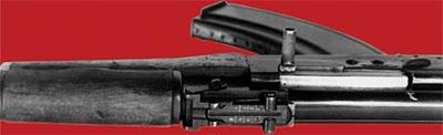 Секторный прицел 7,62-мм автомата Калашникова АК-47, рассчитанный на дальность стрельбы до 800 м