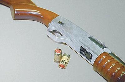 По сравнению с ружьём, сконструированным в Подольске, самый первый вариант «Бекаса», так же спроектированный под патрон 16х35, выглядел гораздо более пропорционально и гармонично. В дальнейшем, вплоть до появления «Бекаса-М», внешний вид ружья практически не изменился