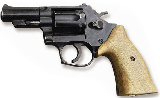 После почти столетнего застоя в нашей стране были начаты разработки револьверных систем. Одними из первых были 9-мм револьвер «Кобальт» ОЦ-01 и 12,3-мм крупнокалиберный револьвер У-94 «Удар».