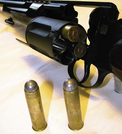 Барабан МЦ-255 открывает «широкое поле» для экспериментов по снаряжению патронов. На фото «револьверные» патроны 20-го калибра.