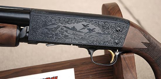 Некоторые экземпляры ружья украшались гравировкой.
