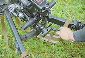 Наведение гранатомёта по вертикали осуществляется маховичком