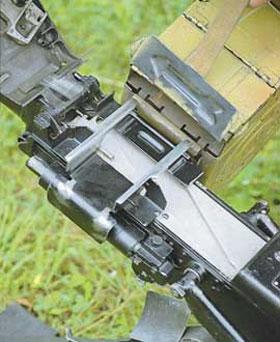Присоединение патронной коробки к гранатомёту