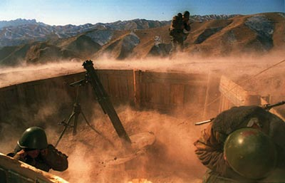Минометный расчет в горах Афганистана