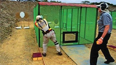 Стрельба из-за укрытия как элемент техники достался МКПС по наследству от боевой стрельбы. Чемпионат мира, Эквадор