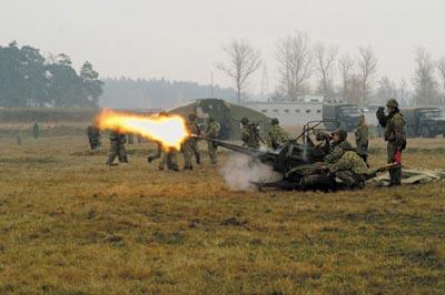 Стрельба из 23-мм спаренной зенитной установки ЗУ-23-2