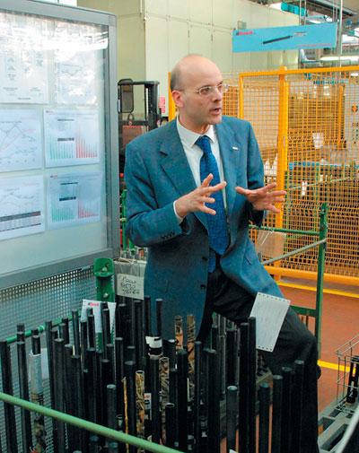 Директор по продажам Лучио Поррека готов часами рассказывать о грандиозных планах компании.