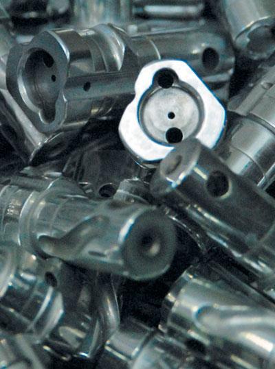 70000 помповых ружей, 15000 карабинов произведено в 2010 году.