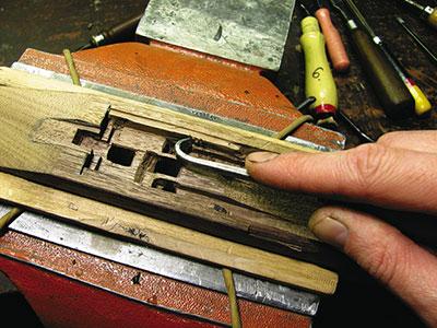 У каждого мастера свой набор специального инструмента