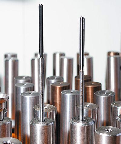6 мм — кучность, которую демонстрируют винтовки Атцла на дистанции 100 метров.