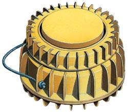 Противогусеничная мина TS/6, Италия. Корпус пластмассовый, масса мины - 9,8 кг, заряда ВВ - 6,0 кг, взрыватель пневмомеханический, усилие срабатывания - 180—500 кгс. Установка вручную