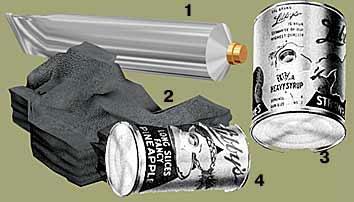 заряды взрывчатки и заряды зажигательных веществ, замаскированные под предметы обычного обихода