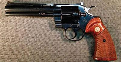 Colt Python 1955 года. Револьвер с УСМ двойного действия калибра .357 Magnum