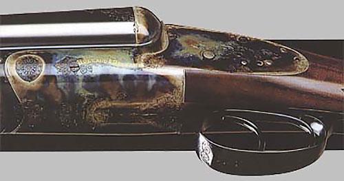 Горизонталка серии Round Action с обратными замками на досках, округлыми коробкой и головкой ложи - калибры 12 и 20. Цена - от 24.000 фунтов стерлингов.