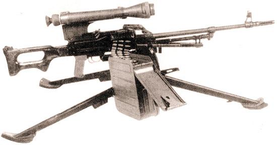 7,62-мм модернизированный пулемет ПКМСН (6ПЗМН) с прицелом ночного видения НСПУ на станке Степанова 6Т5