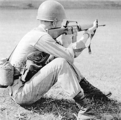 Испытания 5,56-мм штурмовой винтовки AR 15 в американской армии. Начало 1960-х годов