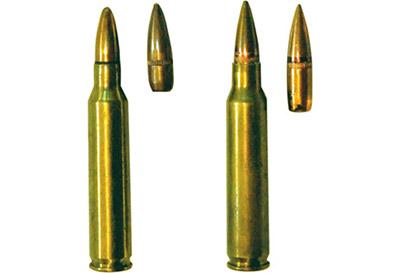 5,56-мм винтовочный патрон М 193 собыкновенной пулей(слева) и5,56-мм винтовочный патрон SS 109 собыкновенной пулей(справа)