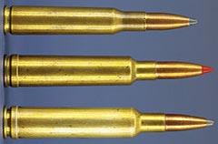До появления калибра .280 Rem в 1957 году эта троица доминировала на рынке семёрок (сверху - вниз): 7 mm Mauser (7x57), 7x61 Sharpe & Hart и 7 mm Weatherby Magnum.