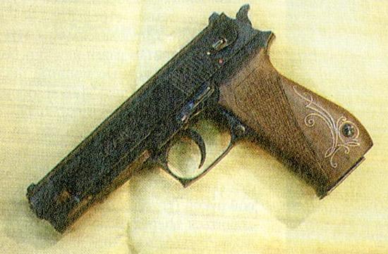 ОЦ-27 «Бердыш». Типичный представитель мощных армейских пистолетов под патроны ПМ и ПММ. Возможна установка лазерного прицела