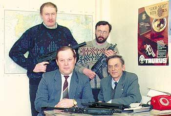 Коллектив создателей семейства «Бизонов» (слева-направо): Д.Г. Долганов, A.Е. Драгунов, С.Д. Горбунов, В.М. Калашников