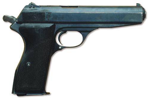 Автоматический пистолет Калашникова. Вид справа, курок взведён