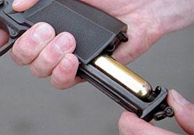 Одно из достоинств МР-654К - расположение кассеты для шариков и баллончика с СО2 в рукоятке пистолета