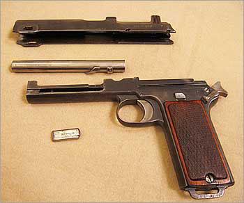 9-мм самозарядный пистолет «Штейер»