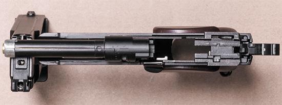 Пистолет со снятым затвором, вид сверху
