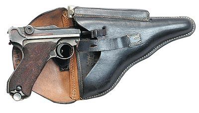 9-мм пистолет «Парабеллум» Р.08 в кобуре