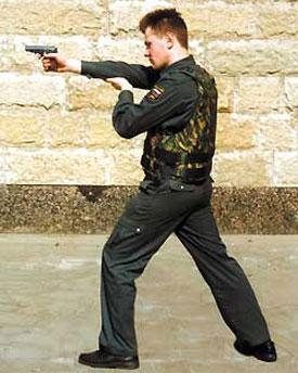Стрельба из левосторонней стойки с поддержкой за локоть. Бронежилет «Модуль-5М». Один из самых оптимальных вариантов изготовки