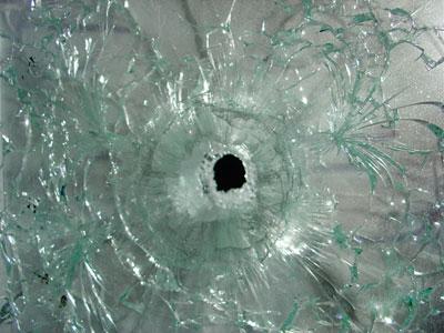 Стрельба через стекло