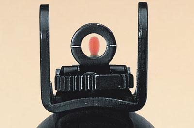 Прицел Ghost-Ring (призрачное кольцо) – для быстрого захвата цели при слабой освещённости (фото Frankonia).