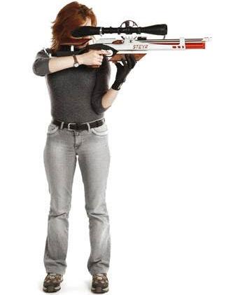 Положение стоя, пожалуй, наименее удобное для точного выстрела