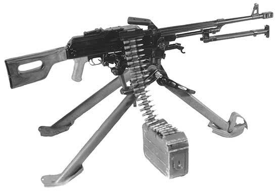 Пулемёт Калашникова (ПК) на станке конструкции Саможенкова. В таком виде ПК принял участие в сравнительных полигонных испытаниях с ПН