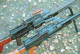 Внешний вид ствольной коробки пулемётов ПК (вверху) и ПКМ