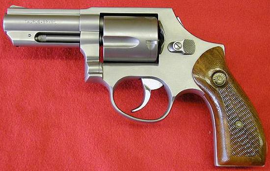 Револьвер Таурус .38СП бразильского производства
