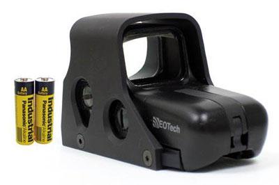 Коллиматорные прицелы очень удобны при стрельбе на небольшие расстояния. Но иногда в них приходится менять батарейки
