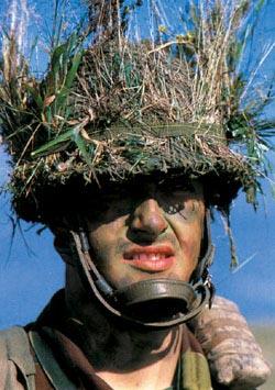 Бельгийский пехотинец в боевом камуфляже
