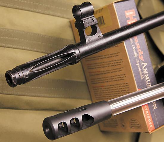 Трехкамерный дульный тормоз Colt Competition эффективно компенсирует  отдачу и подброс ствола при выстреле— вотличие от простого  пламегасителя СВД