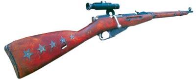 Снайперская винтовка образца 1891/1930 года с прицелом ПУ и отметками «побед» на прикладе
