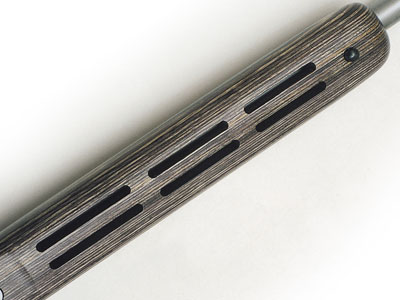 Вырезы на нижней стороне цевья должны обеспечивать хорошее охлаждение ствола.