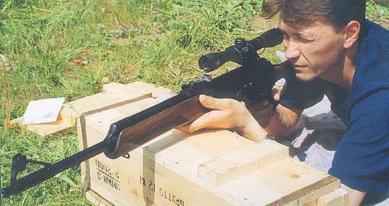 Одна из новинок «Молота» - охотничий карабин «Вепрь-223» под патрон калибра 5,56х45, производство которого в России начато совсем недавно. «Вепрь-223» - один из первых образцов отечественного оружия под новый патрон