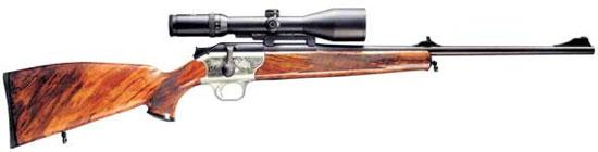Охотничий карабин Blaser R93 с установленным оптическим прицелом. Эту модель можно укомплектовать несколькими сменными стволами различных калибров