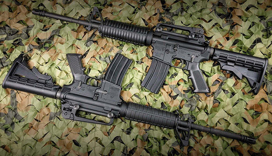 Карабины DPMS AP4 (вверху) и  Bushmaster M4A2 Patrolmans выглядят и выполнены очень похоже, отличия  только в цевье. Обе модели являются замечательным примером качества и  надежности американского оружия типа AR-15
