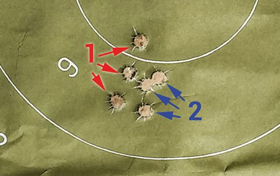 Смещение точки попадания в .308-м калибре при стрельбе до (1) и после  замены ствола на 9,3х62 и обратно на .308 Win (2) — минимальное